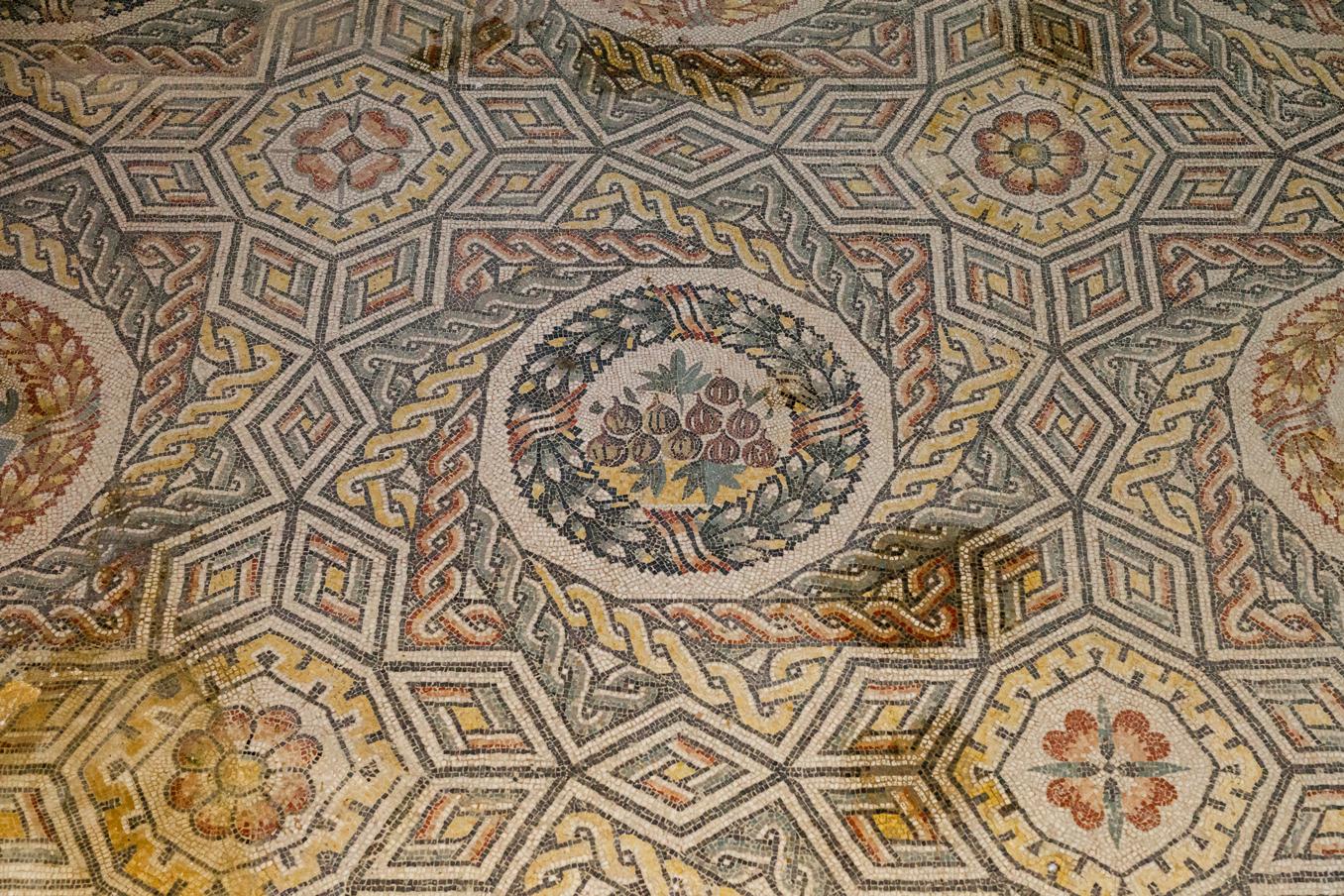 Vijgen op mozaiek in Villa del Casale