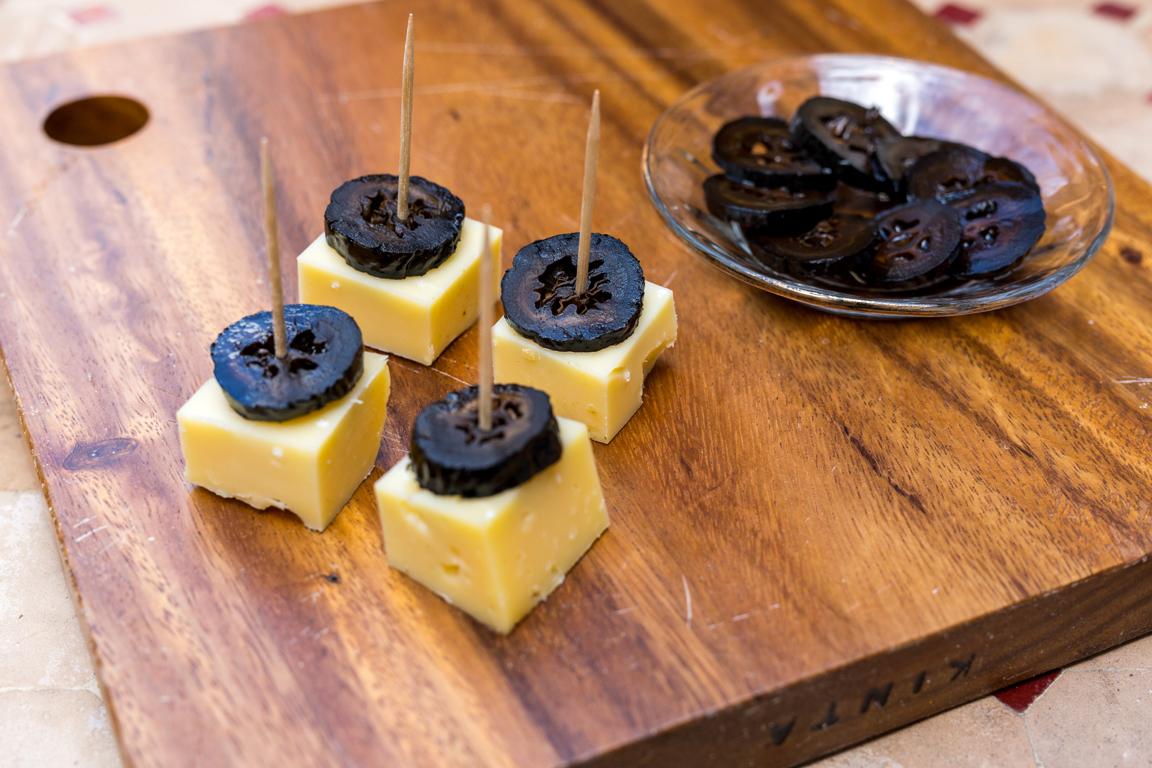 Gekonfijte walnoot met kaas