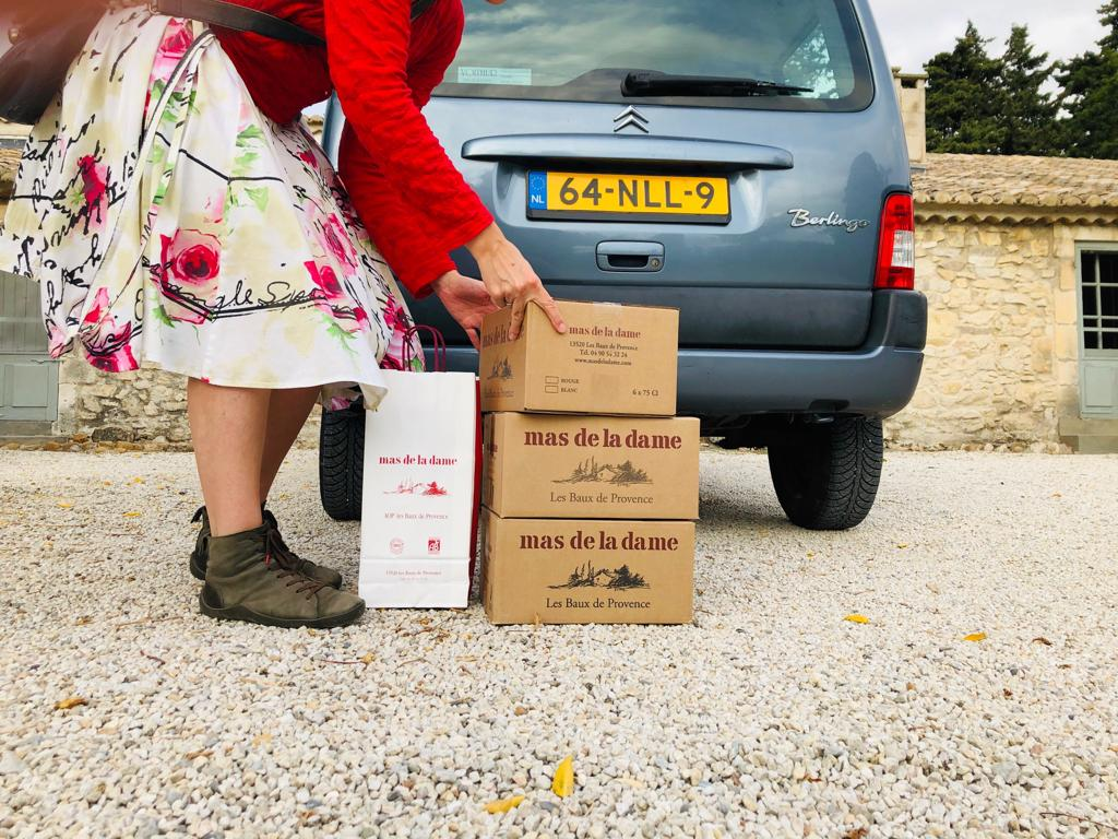 Ons favoriete adres voor wijn Mas de la Dame in de Alpilles. Neem de Coin Caché blanc