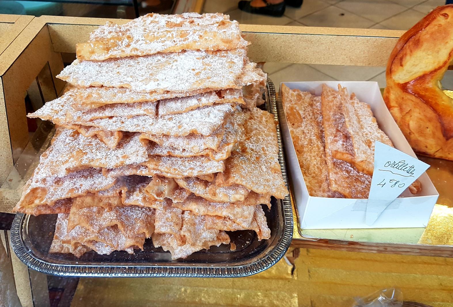 Oreillettes in oudste bakkerij van Avignon