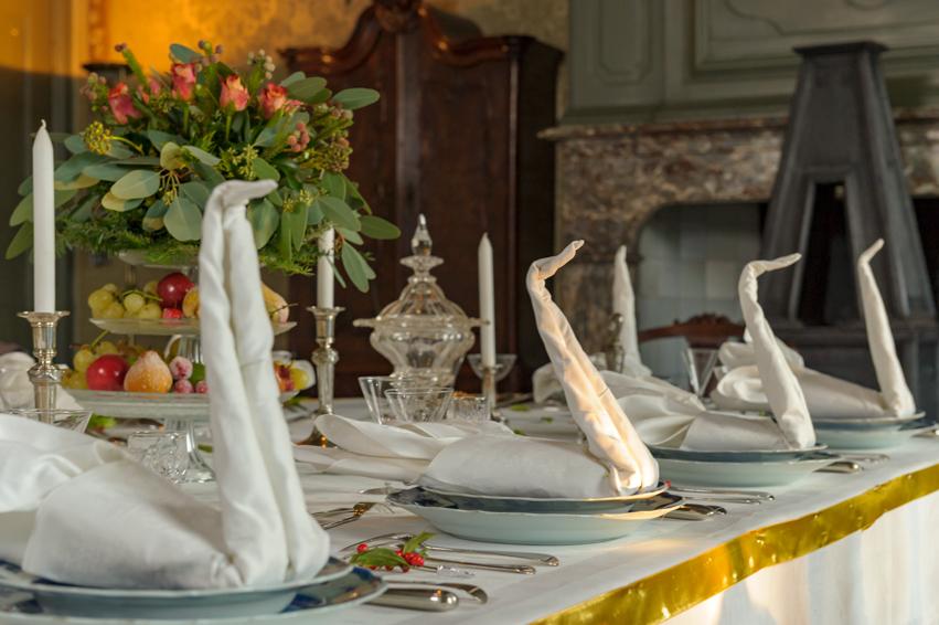 Gedekte tafel op Kasteel Cannenburch. Foto GLK.