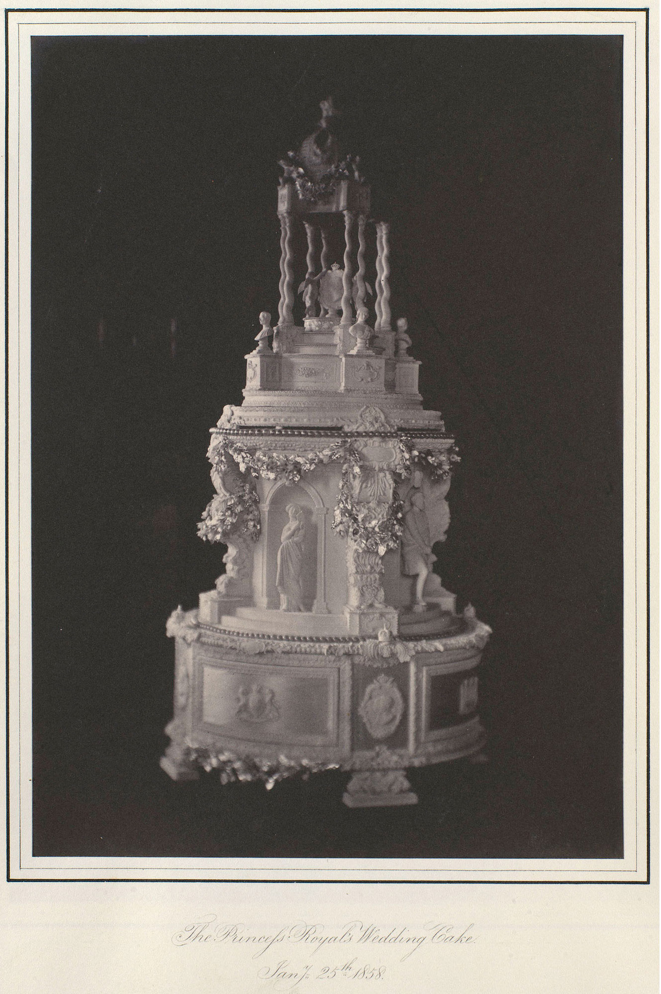 Weddingcake Queen Victoria, Royal Collection Trust